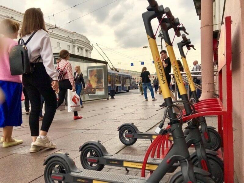 В Петербурге электросамокатчиков могут начать штрафовать
